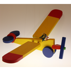 Fliegendes Flugzeug groß